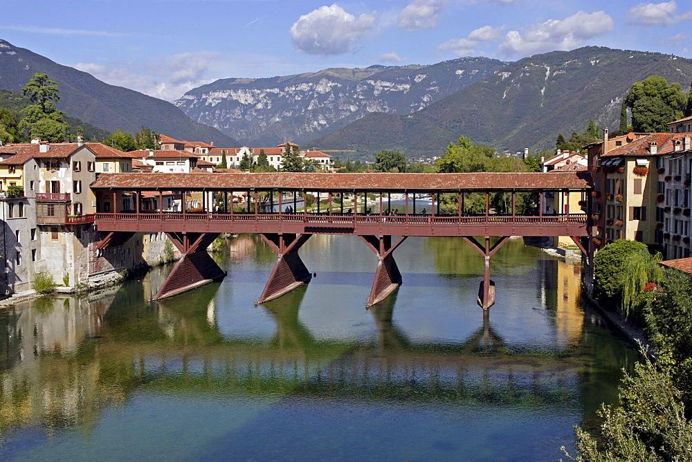 Covered bridge over the Brenta River, Bassano del Grappa, Veneto, Italy, Europe