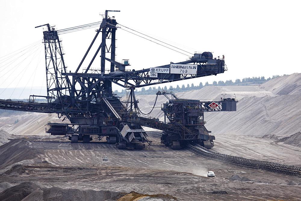 Brown coal digger, Hambach Tagebau, Rhein-Erft-Kreis, North Rhine-Westphalia, Germany
