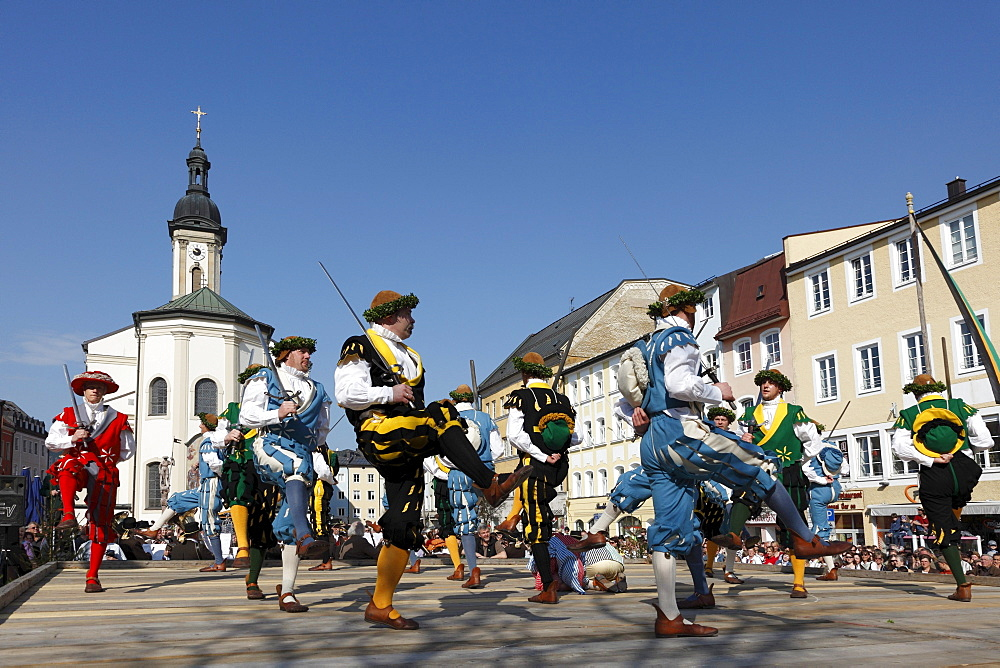 Historic sword dance, Georgiritt, George's Ride, Easter Monday procession, town square with parish church in Traunstein, Chiemgau, Upper Bavaria, Bavaria, Germany, Europe