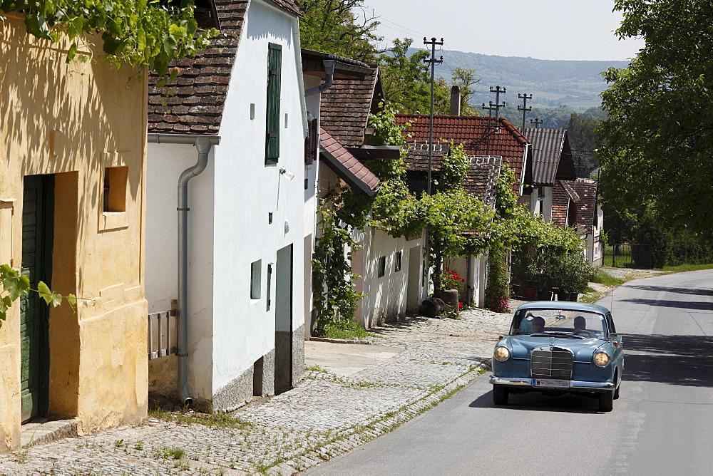 Old Mercedes, Kellertrift, Kellergasse lane, Haugsdorf, Weinviertel region, Lower Austria, Austria, Europe