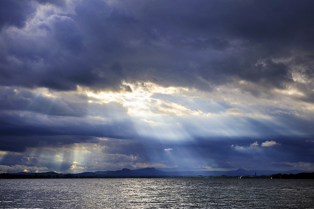 Mood lighting above Lake Constance, County of Constance, Baden-Wuerttemberg, Germany, Europe