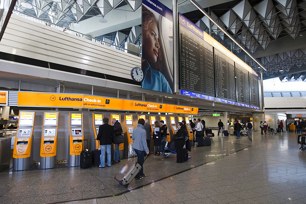 Passengers on a quick-check-in counter of Lufthansa, Frankfurt Airport, Frankfurt am Main, Hesse, Germany, Europe
