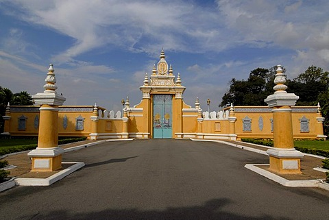 Victory gate of the Royal Palace and Silver Pagoda, Phnom Penh, Cambodia