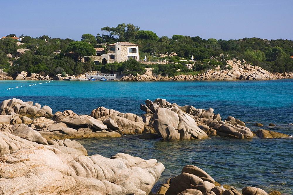 Rocky coast, holiday cottage, Capriccioli, Costa Smeralda, Sardinia, Italy, Europe