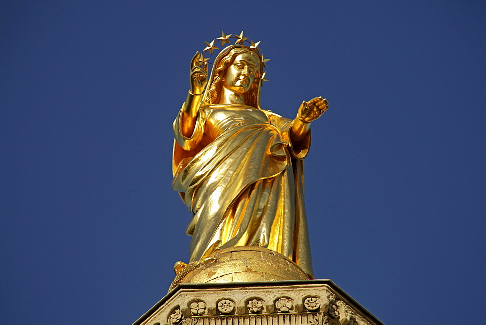 Gilded statue of Saint Mary, on the roof of the cathedral of Avignon, Provence, France, Europe