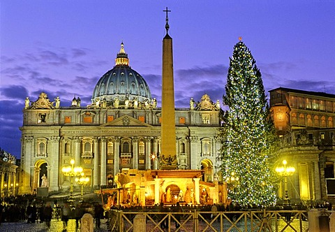 St. Peter's Basilica, Basilica of Saint Peter, obelisk, nativity scene and christmas tree, Saint Peter's Square, Vatican city, Rome, Latium, Italy, Europe