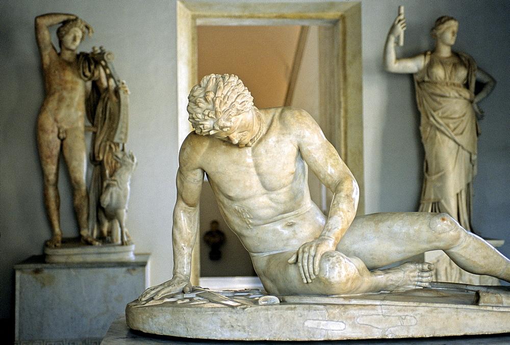 Marble statue Principe Galata Ferito, dying Gaul, Galata Capitolino, Capitoline Museums, Palazzo Nuovo, Capitoline Hill, Rome, Lazio, Italy, Europe
