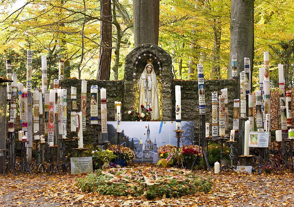 Mary pieta, Catholic pilgrimage site, miraculous image of the Painful Mother of God, candles, Ziemetshausen, In den Stauden, Swabia, Bavaria, Germany, Europe