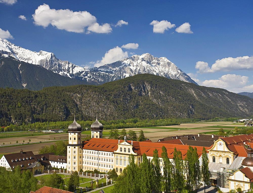 Stift Stams monastery, Cistercian Abbey, Mt. Hohe Munde, Mieminger mountain range, Inntal valley, Tyrol, Austria, Europe
