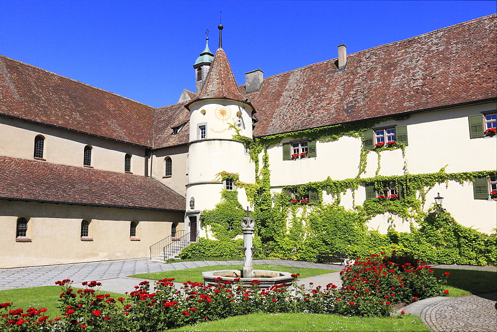 Courtyard of the minster dedicated to the Virgin and Saint Mark, Marienmuenster, Abbey of Reichenau, Mittelzell, Reichenau Island, Lake Constance, Konstanz district, Baden-Wuerttemberg, Germany, Europe