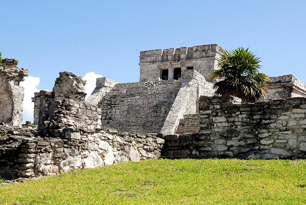 El Castillio, Maya temple in Tulum, Quintana Roo, Mexico, Central America