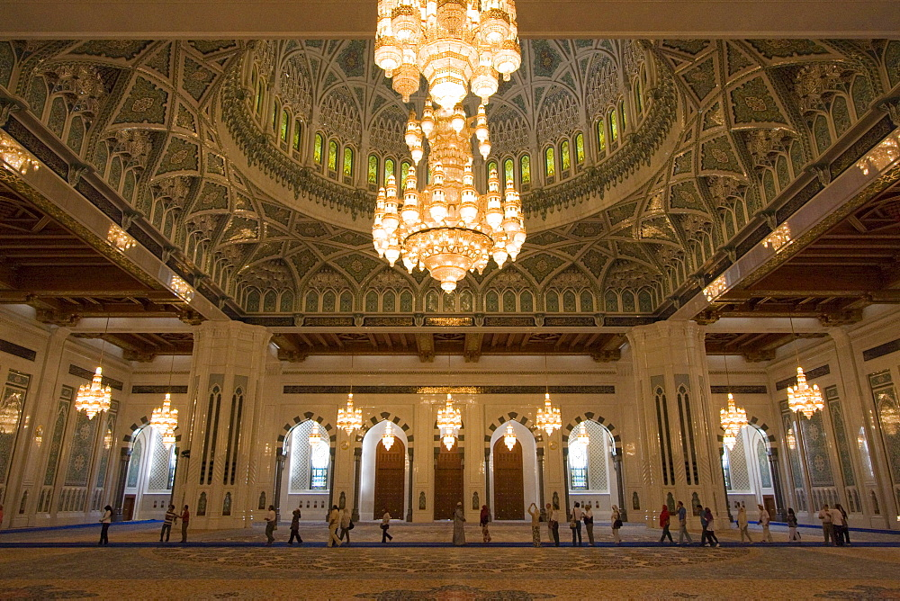 Sultan Qaboos Grand Mosque, Muscat, Oman, Middle East