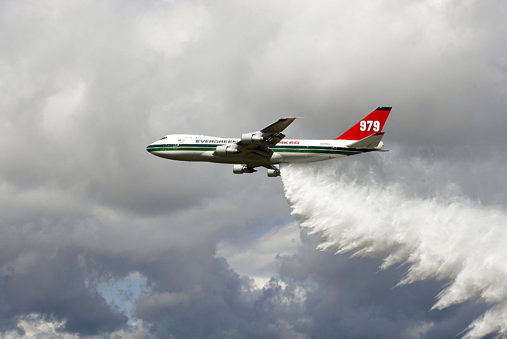 "The fire-fighting plane ""Supertanker"" of the American Airline Evergreen at a demonstration at the airport Frankfurt-Hahn, Rhineland-Palatinate, Germany, Europe"