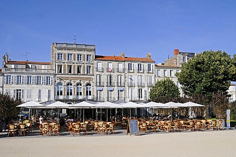 Street cafe, square by the townhall, historic buildings, Rochefort, Poitou Charentes, France, Europe