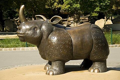 Rhinocerus, statue, zoo, Schoenbrunn, Vienna, Austria, Europe