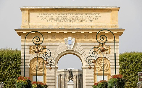Triumphal arch, Montpellier, Herault, Languedoc Roussillon, France, Europe
