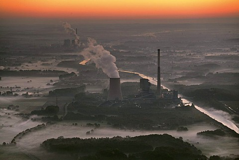 Aerial view, hard coal-fired power plant of Evonik Steag, in cooperation with RWE Power AG, at the Datteln-Hamm-Kanal (canal), Bergkamen, North Rhine-Westphalia, Germany, Europe