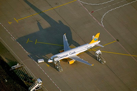 Aerial photograph of the preflight preparation of a Thomas Cook Holidays airplane, Duesseldorf Airport, Rhein-Ruhr-Flughafen, Duesseldorf, Nordrhein-Westfalen, Germany, Europe