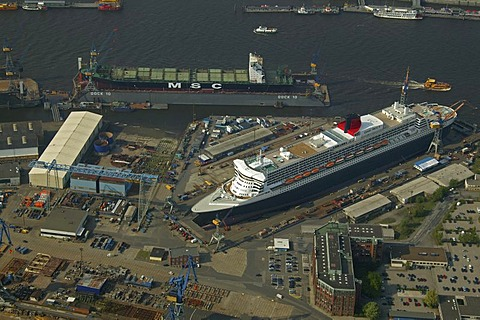 Aerial photograph, Queen Mary 2, passenger ship, Trockendock Elbe 17, dry dock Elbe 17, shipyard, Werft Blohm und Voss, Hamburg, Germany, Europe