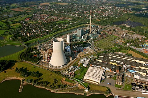 Aerial photograph, atmospheric cooling tower, power plant, Steag, Evonik, Rhein, Walsum, Duisburg, Ruhr Area, North Rhine-Westphalia, Germany, Europe