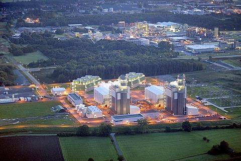 Aerial view, photo at night, Trianel, GUD, public utility company Hamm, power station powered by gas turbines, Uentrop, Hamm, Ruhr area, North Rhine-Westphalia, Germany, Europe