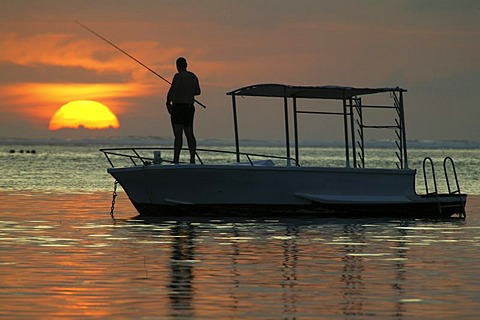 Sunset, boot, angler, Heritage deluxe hotel, Heritage Golf & Spa Resort, Bel Ombre, Republic of Mauritius, Africa