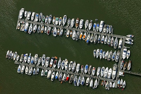 Aerial photograph, boats in the harbor of Spiekeroog, East Frisian Island, Lower Saxony, Germany, Europe