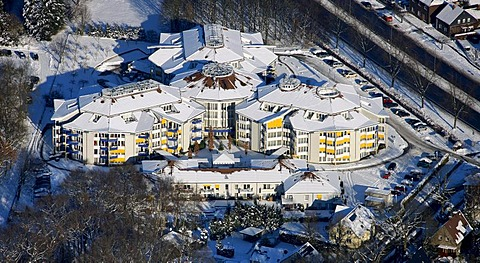 Aerial photo, retirement home, snow, Bottrop, Ruhr Area, North Rhine-Westphalia, Germany, Europe