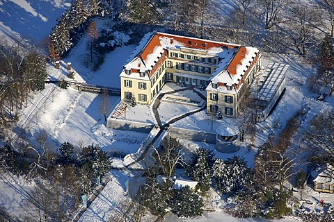 Aerial photo, Schloss Berge Castle, moated castle, snow, Gelsenkirchen-Buer, Gelsenkirchen, Ruhr Area, North Rhine-Westphalia, Germany, Europe