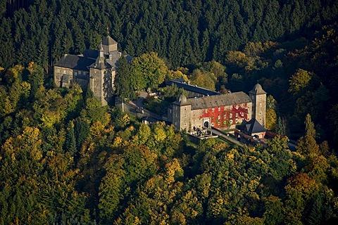 Aerial photo, Burg Schnellenberg, Schnellenberg Castle, autumnal forest, Attendorn, Sauerland, North Rhine-Westphalia, Germany, Europe