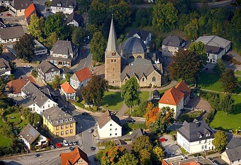 Aerial photograph, Church of St. Blasius, Balve, Maerkischer Kreis district, Sauerland, North Rhine-Westphalia, Germany, Europe