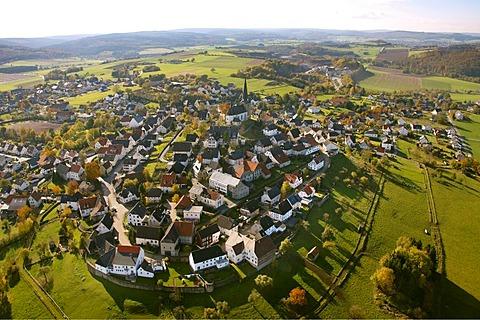 Aerial photo, Catholic church, Kallenhardt, Ruethen, Kreis Soest, Soester Boerde, South Westphalia, North Rhine-Westphalia, Germany, Europe