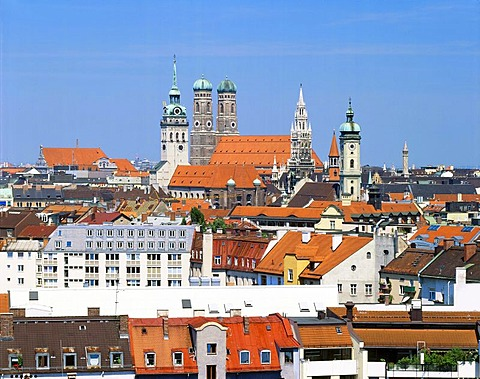 Central Munich with Peterskirche, Frauenkirche, Cathedral, City Hall and Heilig Geistkirche, Munich, Bavaria, Germany, Europe