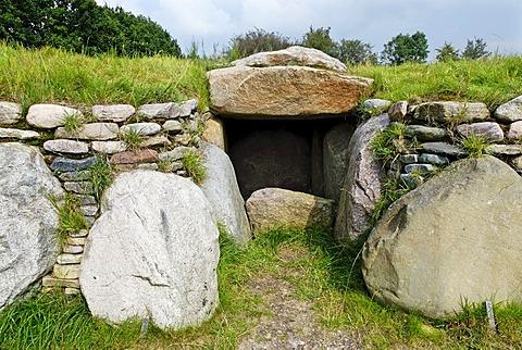 Megalithic tomb, Arnkielpark in Munkwolstrup, community of Oeverseein, Schleswig-Holstein, Germany, Europe