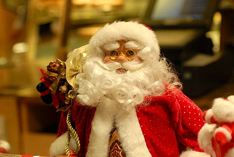 Santa statue, Christmas market, Stuttgart, Baden-Wuerttemberg, Germany, Europe