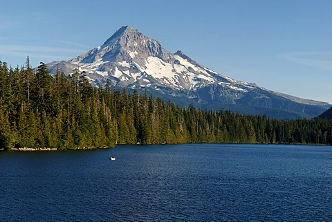 Lost Lake and Western edge of Mount Hood volcano, Cascade Range, Oregon, USA