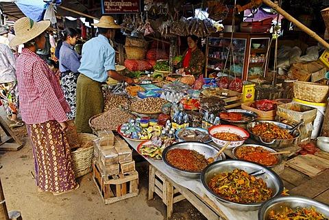 Traditional grocery market, Kachin State, Burma, Myanmar, Asia