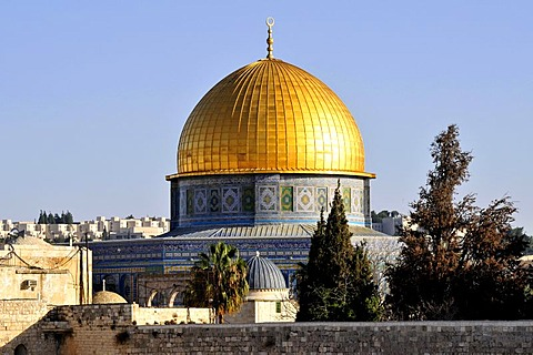 Golden dome of the Dome of the Rock, Qubbet es-Sakhra, in morning light, on Temple Mount, Jerusalem, Israel, Western Asia, Orient