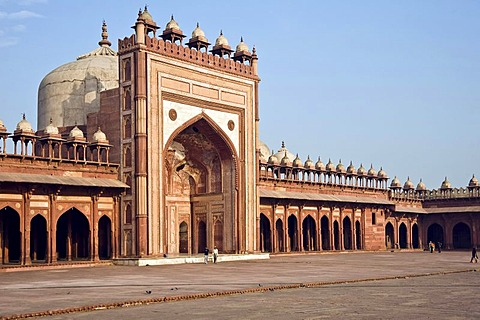 Jama Masjid Mosque, inner courtyard, UNESCO World Heritage Site, Fatehpur Sikri, Uttar Pradesh, India, South Asia
