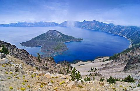 Crater lake with caldera of the volcano Mount Mazama, Crater Lake National Park, Oregon, USA, North America