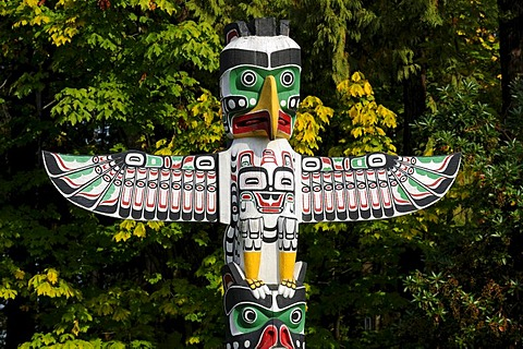 Indian totem, totem pole in Stanley Park, Vancouver, British Columbia, Canada, North America