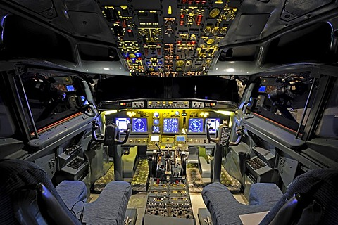 View of the cockpit of a Boeing 737 - 700 in a flight simulator by the Wulff/Zellner GbR company, Berlin, Germany