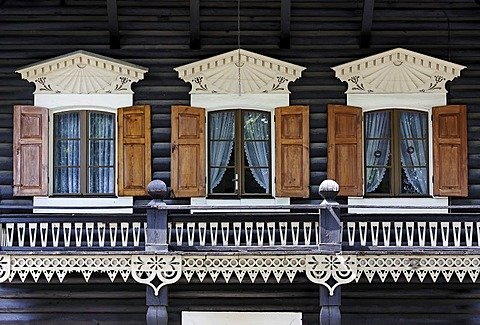 Windows and balcony with beautiful wooden carvings in traditional Russian style, Russian colony, Alexandrowka, Potsdam, Brandenburg, Germany, Europe