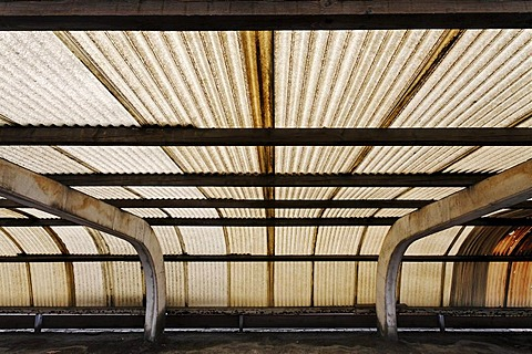 Corrugated roof made of plastic, brown colouring caused by factory fumes, pollution, factory parking place in the industrial area, Rhine Harbour Krefeld-Uerdingen, North Rhine-Westphalia, Germany, Europe