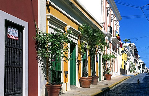 Row of houses, historic city centre, San Juan, Puerto Rico, Caribbean