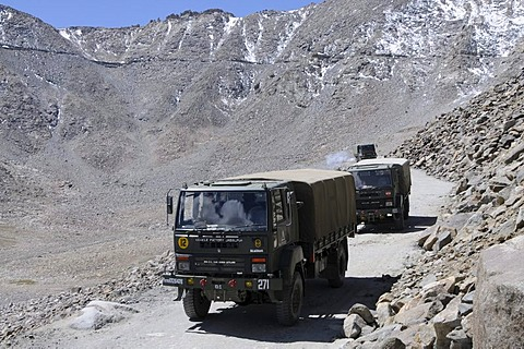 Military convoy driving into the Indian-Chinese-Pakistani conflict area, at the Khardong Pass, Leh, Ladakh, India, Himalayas, Asia