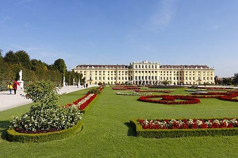 Schoenbrunn Palace, Schoenbrunn Palace Park, Vienna, Austria, Europe