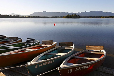 Rowboats in front of restaurant 'Alpenblick', Staffelsee Lake near Uffing, Upper Bavaria, Germany, Europe