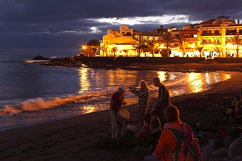 Drummers on the beach in La Playa in the evening, Valle Gran Rey, La Gomera, Canaries, Canary Islands, Spain, Europe