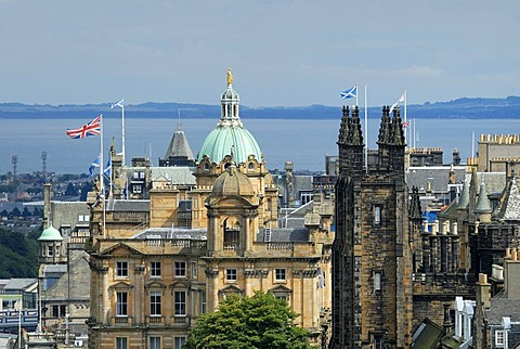View of the historic city centre of Edinburgh, Scotland, Great Britain, Europe